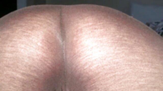 XXX keine Registrierung  Madison pornofilme frauen ab 50 Missina masturbiert auf der couch