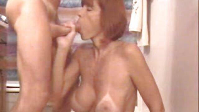 XXX keine Registrierung  Erste Timer Hat Eine pornofilme mit älteren damen Wahnsinnig Gute Zeit Fingert Sich