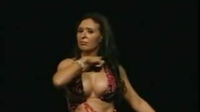 XXX keine Registrierung  Junge Schönheit versucht anal sexfilm mit alten frauen