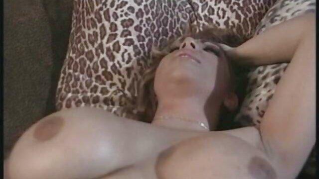 XXX keine Registrierung  Naughty Guy In Einem Heißen Szenen Mit Einem Sexy sexfilme frauen ab 50 Mädchen