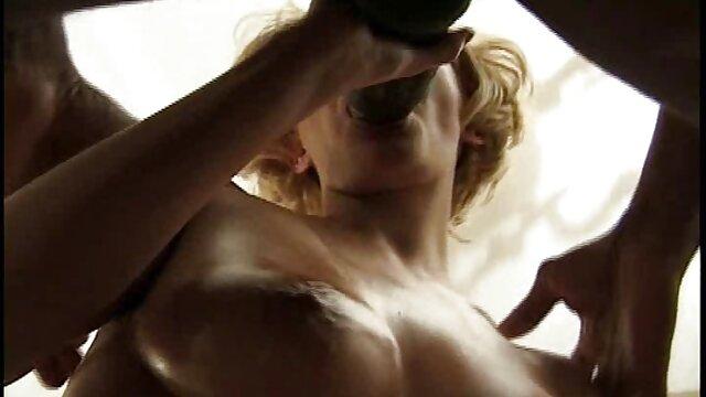 XXX keine Registrierung  Lady Milf und Polly Petrova am Pool und pornofilme von reifen frauen gefickt mit DP